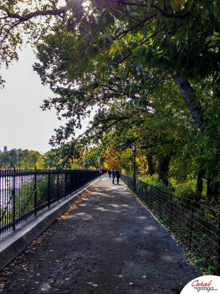 Pista de caminhada em volta do Reservoir