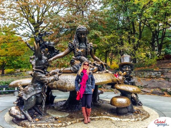 A Estátua de Alice no País das Maravilhas
