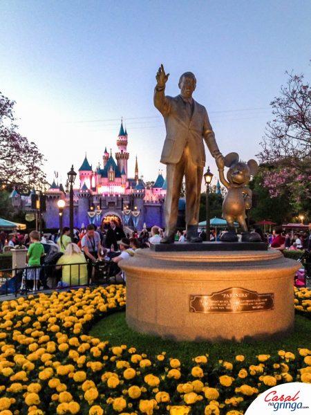 Estátua do Walt Disney