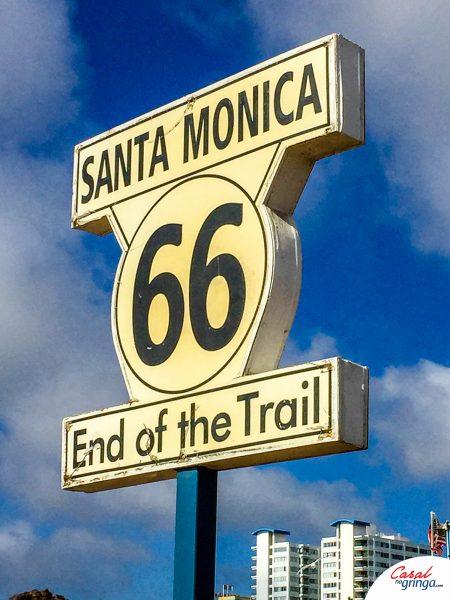 O marco do final da Route 66